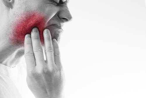 Tannlegevakt - Bilde av intens tannsmerte hos pasient
